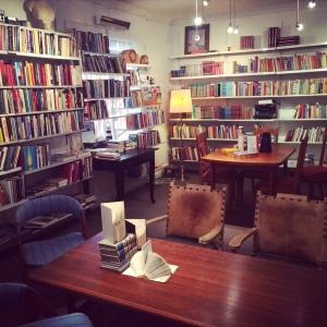 Hillestad Libris har gjort om 2.etasjen til en bruktbokhandel og kafe under SILK. Genialt!